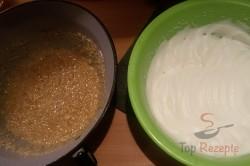 Zubereitung des Rezepts Mürbeteig-Nuss-Kuchen mit Eigelb-Glasur, schritt 8