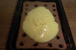 Zubereitung des Rezepts Wunderbare Pudding-Sahne-Schnitten mit Erdbeeren, schritt 8