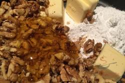Zubereitung des Rezepts Phänomenale Honig-Nuss-Schnitten, schritt 6
