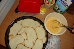 Zubereitung des Rezepts Käsepizza aus altem Brot für ein paar Mäuse, schritt 1