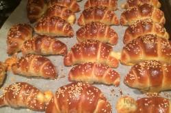 Zubereitung des Rezepts Croissants mit Salami und Käse gefüllt, schritt 7