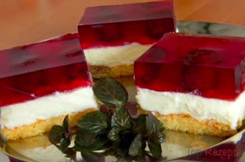 Tassenkuchen Mit Puddingcreme Und Fruchten Top Rezepte De