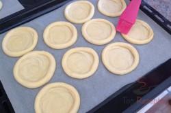 Zubereitung des Rezepts Hefeteigkolatschen mit Streuseln, schritt 5