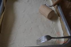 Zubereitung des Rezepts Joghurt-Cremeschnitten mit Eierplätzchen, schritt 1