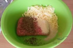 Zubereitung des Rezepts Hackbraten mit Käse im Speckmantel, schritt 6