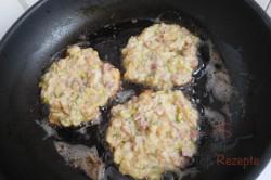 "Zubereitung des Rezepts ""Brötchenpuffer"" mit Kassler und Camembert, schritt 8"