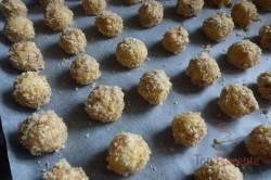 Zubereitung des Rezepts Knusprige Nusskugeln mit Schokoladencreme, schritt 3