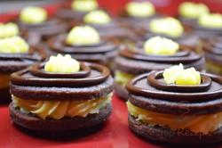Zubereitung des Rezepts Zarte Kakaokekse mit hochwertiger Buttercreme, schritt 8