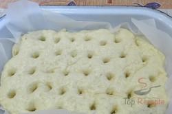 Zubereitung des Rezepts Ein ganz toller Zuckerkuchen aus Hefeteig, mit Sahne überzogen, schritt 1