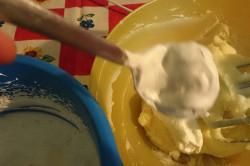 Zubereitung des Rezepts Vanillecreme-Torte ohne Backen, schritt 3