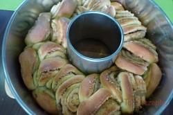 Zubereitung des Rezepts Zupfgugelhupf mit Honig-Nüssen, schritt 5
