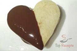 Zubereitung des Rezepts Köstliche Herzen mit Schokocreme und Schokoglasur, schritt 3