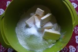 Zubereitung des Rezepts Knusprige Mini-Strudel aus Saure-Sahne-Teig und mit Konfitüre gefüllt, schritt 1