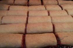 Zubereitung des Rezepts Knusprige Mini-Strudel aus Saure-Sahne-Teig und mit Konfitüre gefüllt, schritt 9