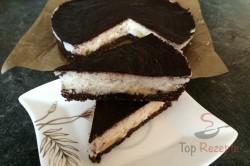 Zubereitung des Rezepts FITNESS-Kokos-Torte mit Bananen - Fotoanleitung, schritt 14