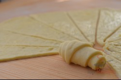 Zubereitung des Rezepts Leckere winzige Käse-Croissants, schritt 8