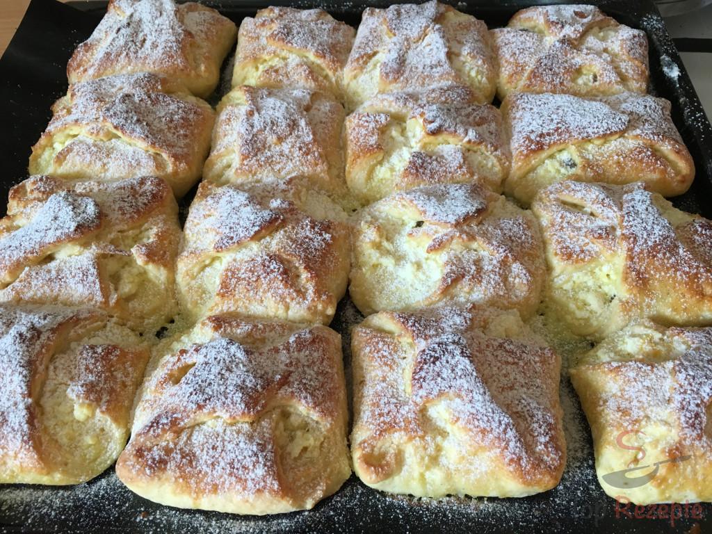 Rezept aus Omas Küche: Quarktaschen mit Hefeteig   Top-Rezepte.de