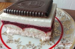 Zubereitung des Rezepts Erdbeerschnitten mit Schokokeksen ohne Backen, schritt 9