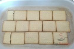 Zubereitung des Rezepts Erdbeerschnitten mit Schokokeksen ohne Backen, schritt 1