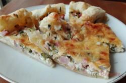 Zubereitung des Rezepts Wunderbare falsche Pizza mit saurer Sahne, die ganz einfach zuzubereiten ist, schritt 4