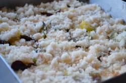 Zubereitung des Rezepts Schneller Pflaumenkuchen mit Streuseln, schritt 4