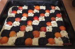 Zubereitung des Rezepts Hefekuchen mit Mohn, Aprikosen und Quark, schritt 7