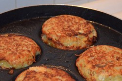 Zubereitung des Rezepts Kartoffelpuffer mit Camembert gefüllt, schritt 3