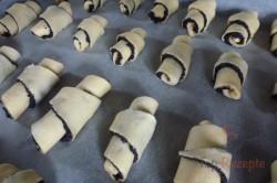 Zubereitung des Rezepts Knusprige Hörnchen reichlich mit Mohn gefüllt, schritt 4