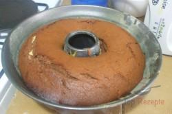 Zubereitung des Rezepts Schoko-Gugelhupf mit Käsekuchenfüllung – ein alter guter Klassiker, schritt 2