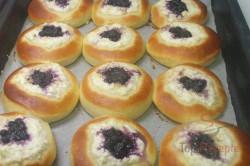 Zubereitung des Rezepts Mährische Kolatschen mit Quark und Heidelbeeren, schritt 7
