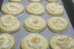 Zubereitung des Rezepts Mährische Kolatschen mit Quark und Heidelbeeren, schritt 4