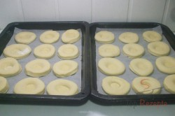 Zubereitung des Rezepts Mährische Kolatschen mit Quark und Heidelbeeren, schritt 3