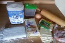 Zubereitung des Rezepts Superschnelle Schinken-Käse-Blätterteigröllchen, schritt 1