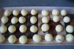 Zubereitung des Rezepts Zweifarbige Kugeln für den Weihnachtstisch, schritt 6