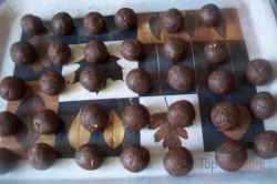 Zubereitung des Rezepts Zweifarbige Kugeln für den Weihnachtstisch, schritt 3