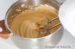 Zubereitung des Rezepts Die einfachste und beste Karamellcreme in wenigen Minuten zubereitet, schritt 6
