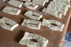 Zubereitung des Rezepts Geniale Quarkteig-Ringe, schritt 2