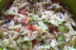 Zubereitung des Rezepts Einfacher Sommer-Nudelsalat in 20 Minuten zubereitet, schritt 5