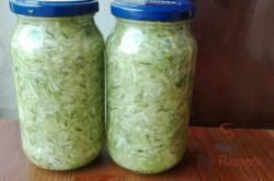Zubereitung des Rezepts Gurkensalat einkochen – Vorrat für den Winter, schritt 1