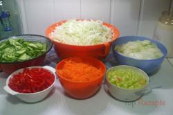 Zubereitung des Rezepts Eingemachter Weißkohl-Paprika-Möhren-Salat, schritt 1