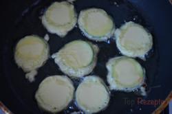 Zubereitung des Rezepts Zucchini im Bier-Teigmantel und Knoblauchsoße, schritt 4