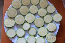 Zubereitung des Rezepts Zucchini im Bier-Teigmantel und Knoblauchsoße, schritt 1