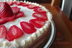 Zubereitung des Rezepts Leckerer Erdbeer-Cheesecake, schritt 2