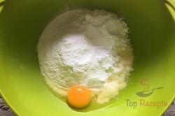 Zubereitung des Rezepts Schwarz-weißer Aprikosen-Quark-Kuchen, schritt 1
