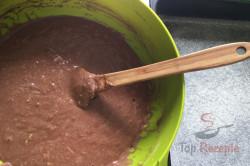 Ein hervorragendes Tassenrezept für einen Zucchini-Gewürzkuchen, schritt 2