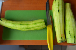 Zubereitung des Rezepts Zucchini in Sahnesoße überbacken, schritt 1