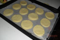 Zubereitung des Rezepts Pfannkuchen mit Pflaumenmus und Schlagsahne, schritt 2