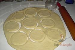 Zubereitung des Rezepts Pfannkuchen mit Pflaumenmus und Schlagsahne, schritt 1