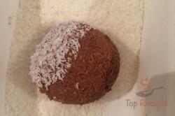 Zubereitung des Rezepts Zweifarbige FITNESS Kokos-Quarkkugeln ohne Zucker, Mehl und Eier, schritt 7