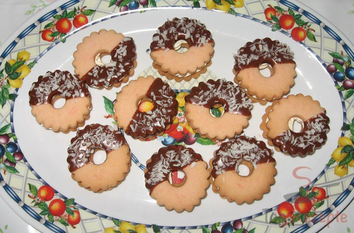 Weihnachtsplätzchen Klassische Rezepte.Leckere Weihnachtsplätzchen
